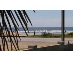 Frente a la playa libre diciembre y febrero