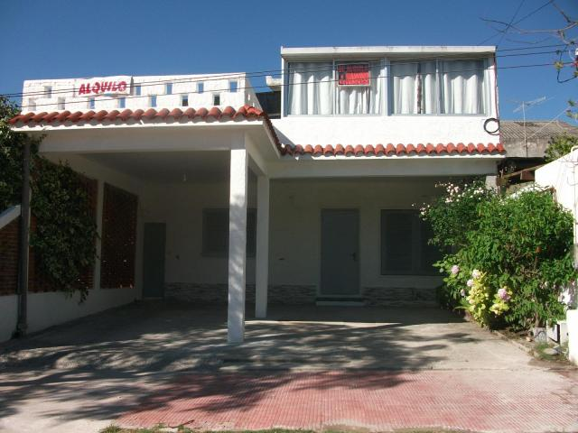 ALQUILO CASA P/A EN PIRIAPOLIS A 2 Y 1/2 DE LA PLAYA Y DEL HOTEL COLON